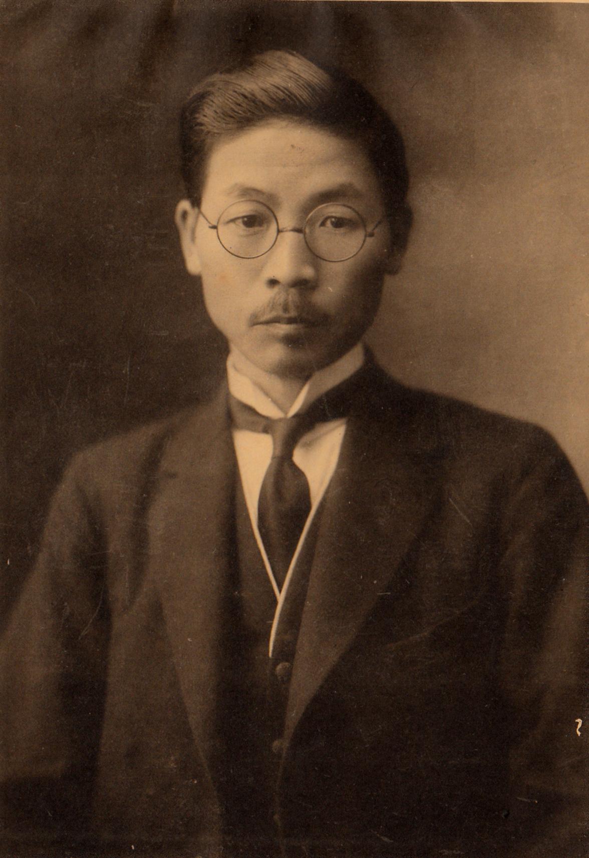 糸島実太郎氏、初代校長に就任